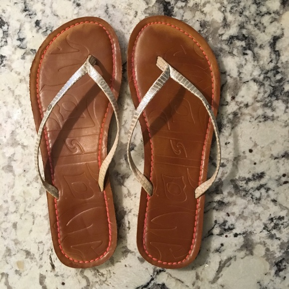 95b81ef46f82 mad love Shoes - Fun  comfortable flip flops